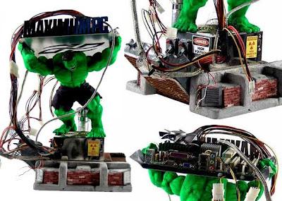 casemod com boneco do hulk