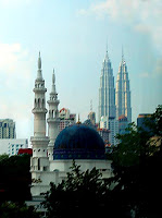 blending the masjid and the twin tower