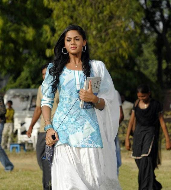 Tamil Telugu Actress Radha's Daughter Karthika Nair (Ko