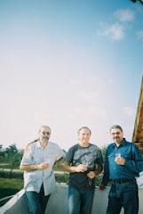 CU Mihai Cochinescu si Valter Paraschivescu la o anghelică mică, de ziua lui Nino, toamna 2006...