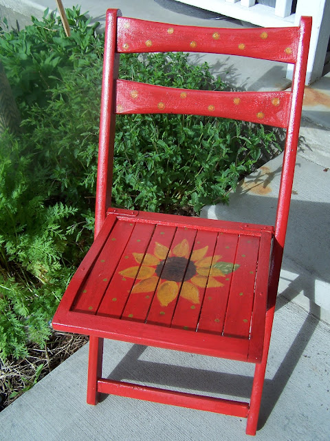 sunflower chairs http://bec4-beyondthepicketfence.blogspot.com/2010/06/sunflower-chairs.html