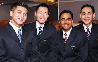 Singapore Airlines male cabin crew