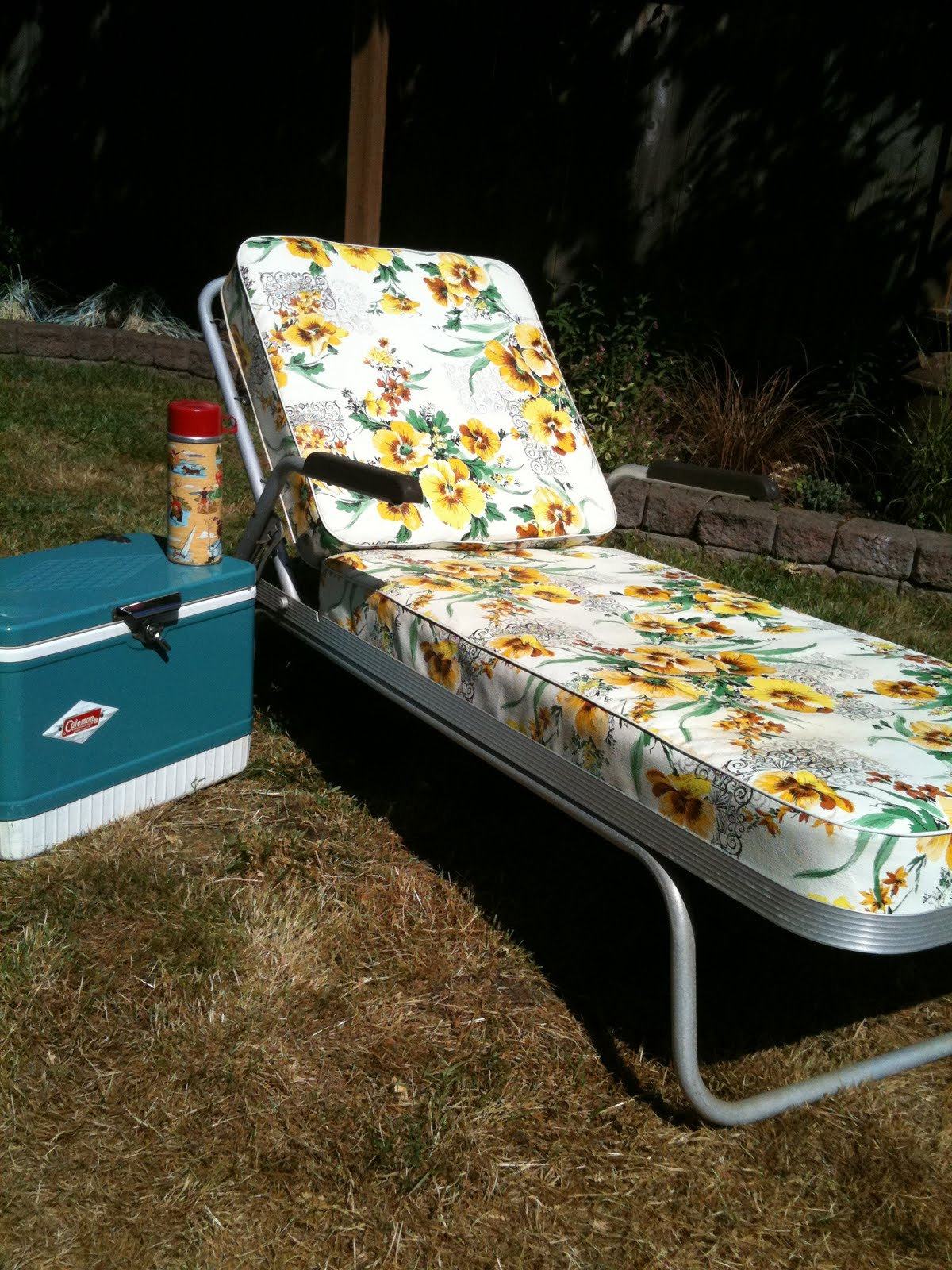 SEATTLE JUNK LOVE: SOLD- 60's Vintage Aluminum Chaise