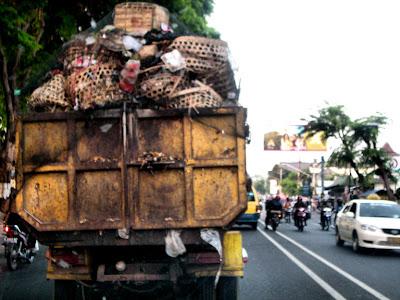 truk+sampah Dana Terbatas, Mobil Sampah Tak Difungsikan