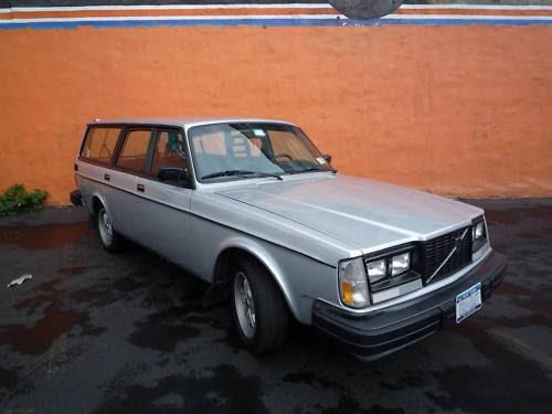 just a car geek 1984 volvo 240 turbo wagon. Black Bedroom Furniture Sets. Home Design Ideas