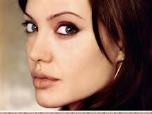 Angelina Joie.