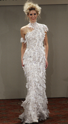 If It S Hip It S Here Archives Damn I Hope He S Worth It The 8 Million Dollar Diamond Wedding Dress