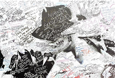 The MJ Memorial Photos You Really Want To See: The Coffin