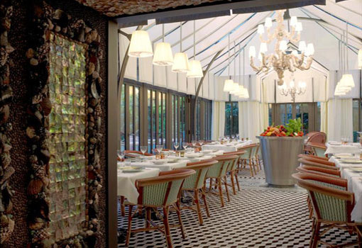 Raffles Royale Hotel