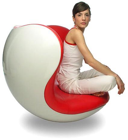 Brighton Beach Unique Chair Design Trend 2012 With Sexy Girl