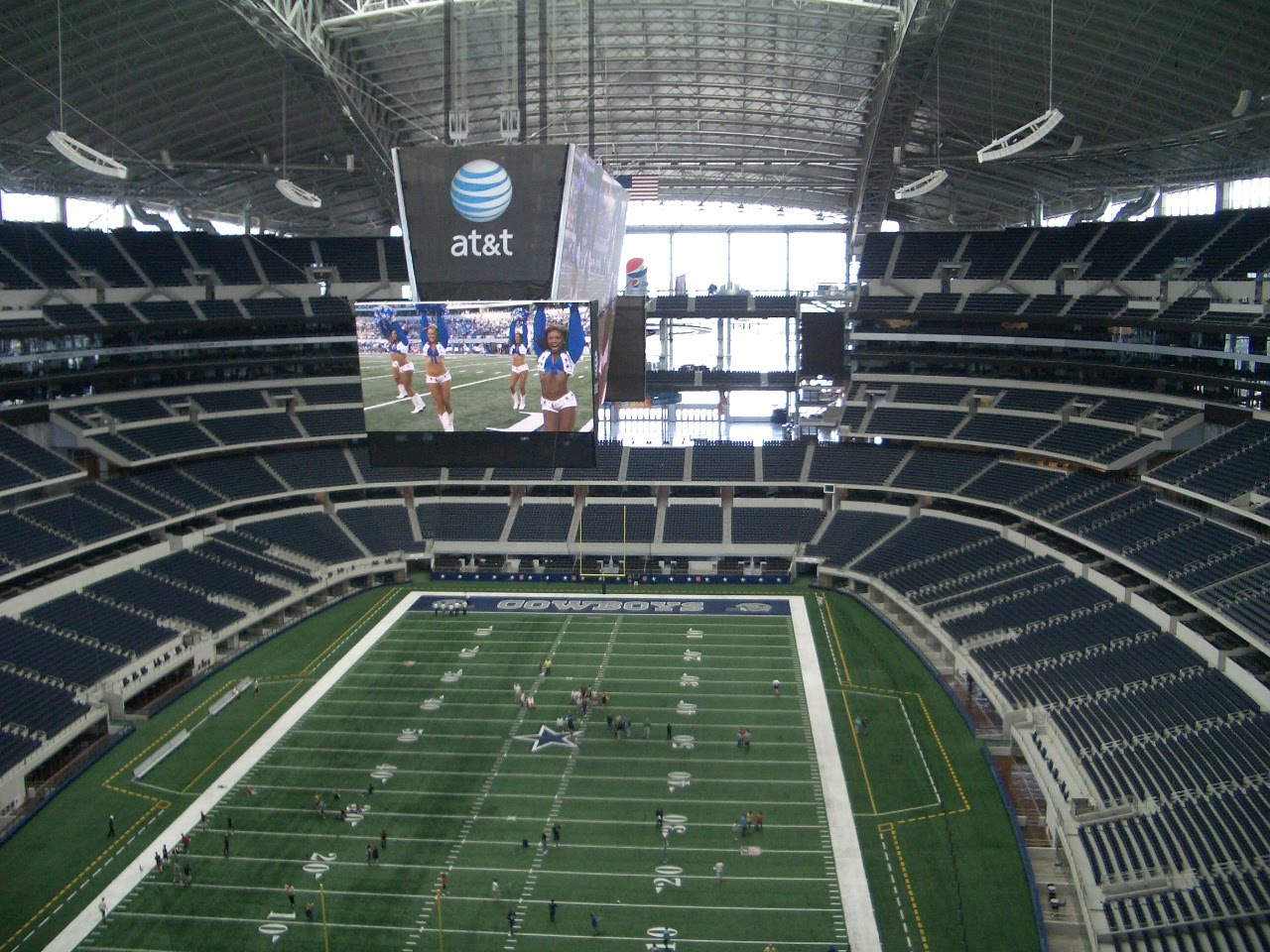 Where's Chuck: Dallas Cowboys Stadium Tour