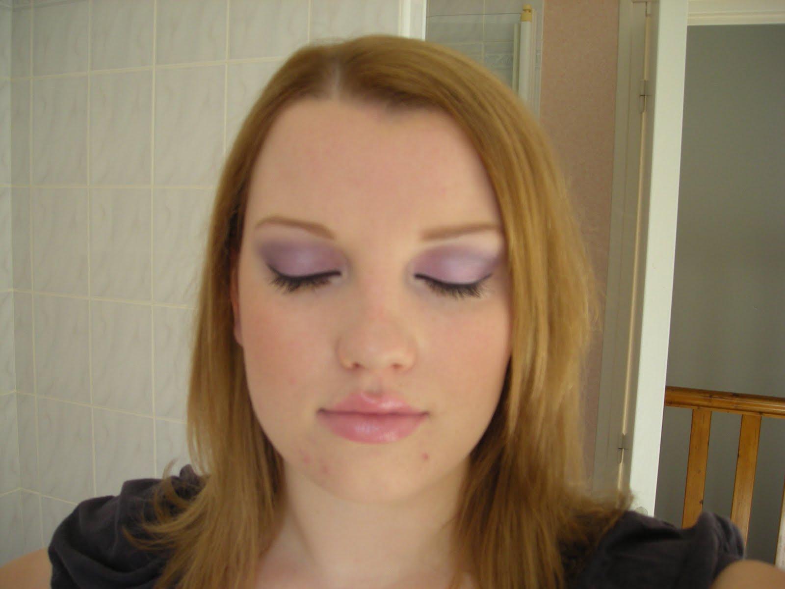 make up by angie du violet avec agn s b. Black Bedroom Furniture Sets. Home Design Ideas