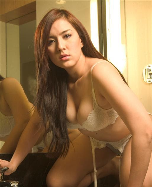 Flesh Asia Daily: Ara Mina In Her Hot Underwear