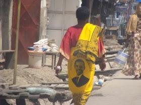 yellow and black 2008. Barack Obama kanga