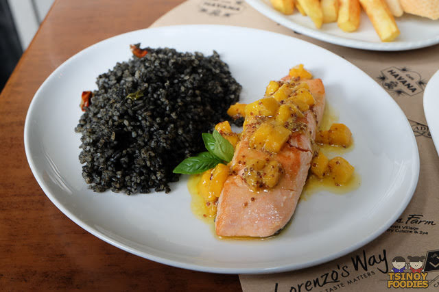 carribean style salmon with mango mambo salsa