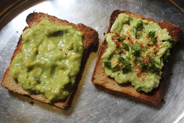 Breakfast Avocado Toast – 2 Ways!