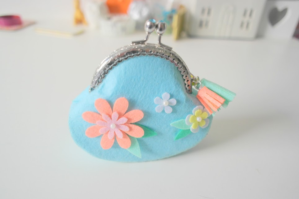 crafty creatives felt clasp purse