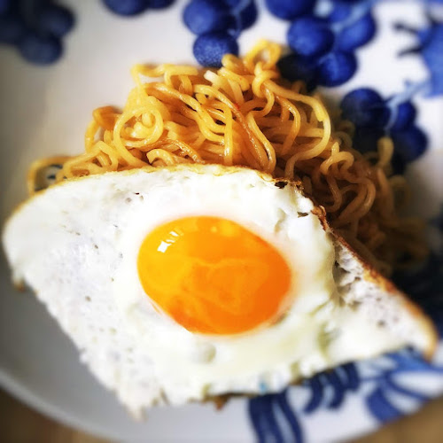 how to cook, how to make, Indomie, Instant Noodles, fried noodles, Mi Goreng, recipe, sunny side egg,