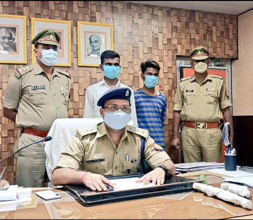 लूट की घटना मे वांछित 15 - 15 हज़ार के दो इनामिया गिरफ्तार