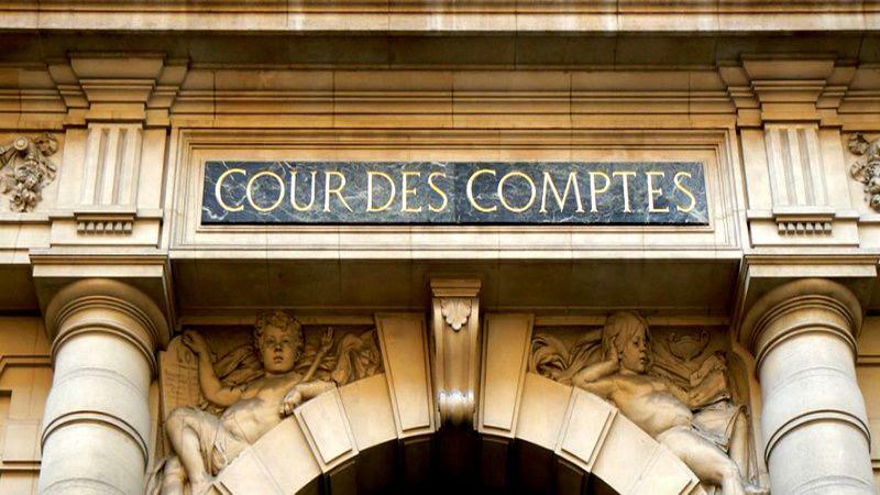 """La Cour des comptes a appelé mercredi l'exécutif à redresser """"en profondeur"""" les finances publiques françaises."""