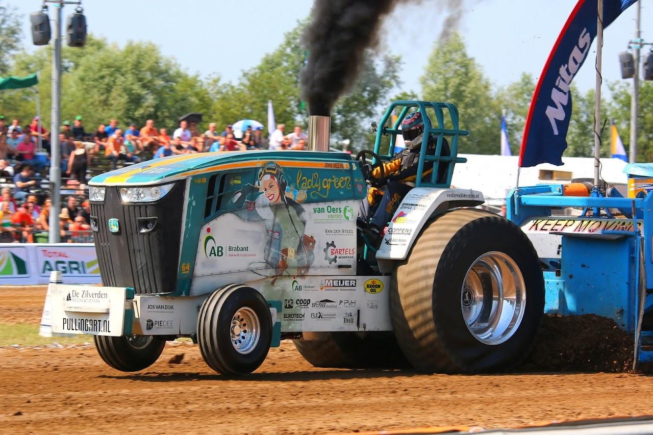 Pro Stock Pulling Tractors : Tractor pulling news pullingworld