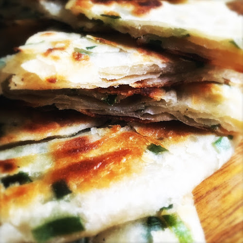 chinese, flat bread, green onion pancake, recipe, scallion pancake, Spring Onion Pancake, 蔥油餅,