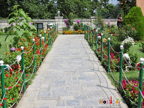 Pathway at the entrance of Chashme Shahi