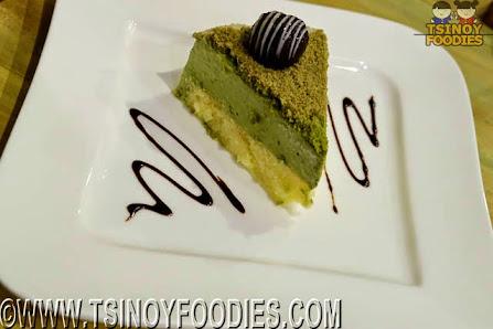 matcha mousse cheesecake