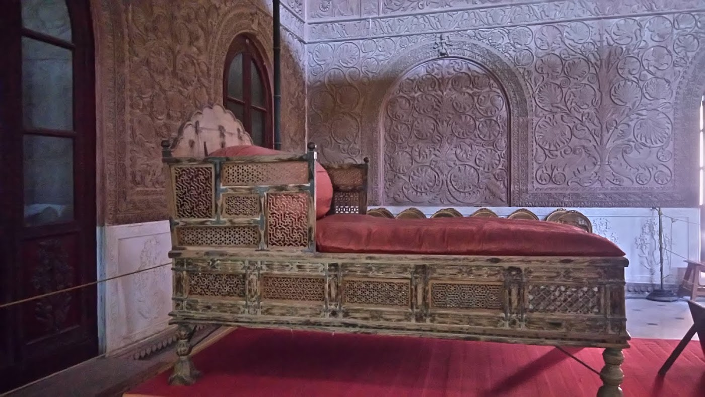 Sandalwood throne in Durbar Hall