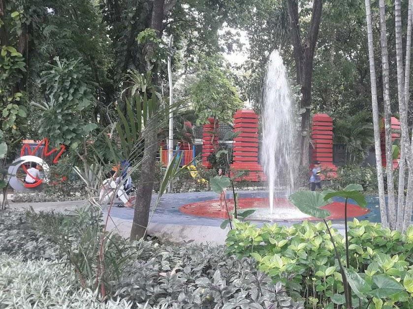 Ziarah ke Taman Bungkul Surabaya