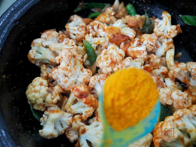 මල් ගෝවා කරිය හදමු (Cauliflower Curry) - Your Choice Way